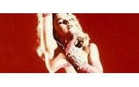 Abiti della star Madonna in mostra a Londra