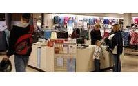 Apparel stores light on strategy to lure shoppers
