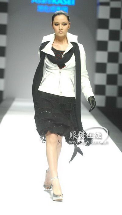 旭化成99中国时装设计师创意大奖刘勇作品