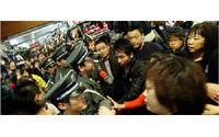China's Silk Market traders strike back
