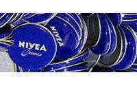 Beiersdorf beschleunigt Umbau und senkt Prognose