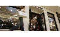 Abercrombie to cut prices&#x3B; could shed Ruehl chain