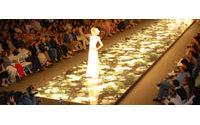 A las novias rusas les gusta vestirse con la moda nupcial de Barcelona