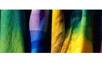 丝绸面料行业挖掘商机欲成为流行发布地