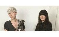 Кейт Мосс продвигает молодых дизайнеров