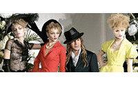 Чулки и вуали на показе Christian Dior
