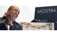 Montesinos viste a Berlanga con su fetiche favorito en el cartel de la Mostra