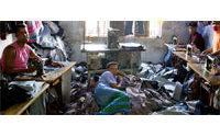 Bangladesh '08/'09 exports up 10 percent but miss target