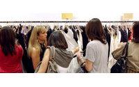 美国服装巨头销售告负 中国服装难转暖
