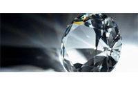 Diamantes y espectaculares joyas subastados por más de 30 millones de dólares
