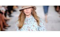 Ralph Lauren se inspira en crisis y presenta una colección de jeans y flores