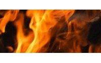 Empresa textil reanuda la actividad en la mitad nave afectada por un incendio