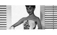 Presentan en Nueva York vestidos de Audrey Hepburn antes de su subasta