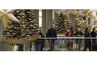 Confcommercio: crisi pesa su regali Natale, consumi in rialzo