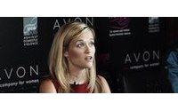 Reese Witherspoon apoya la campaña de Avon contra la violencia doméstica