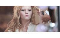 Lara Stone substitui Madonna na campanha da Louis Vuitton