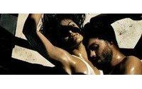 Eva Mendes protagoniza una nueva y sensual campaña para Calvin Klein