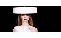 Pariser Couture geht zurück in die Zukunft