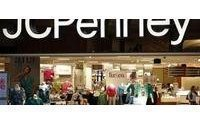 JC Penney outlook weak&#x3B; shares slip