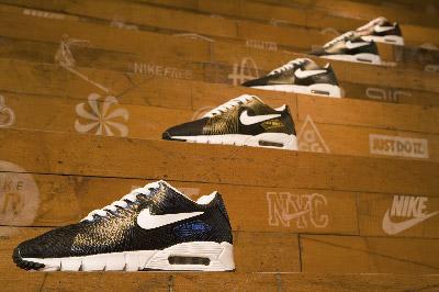 体育运动用品巨头耐克公司承诺停止销售用珍稀动物皮制成的皮鞋和配饰