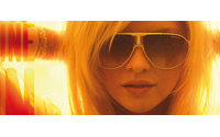 """Carrera """"Shine on"""": la nuova campagna di comunicazione degli occhiali"""