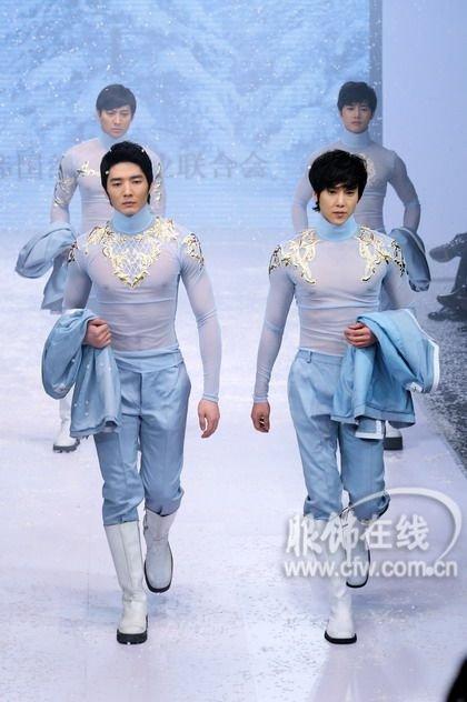韩国著名设计师安德烈·金服装专场发布