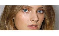 Un mannequin français pour la première fois sous contrat avec Estée Lauder