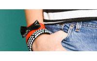 Más de la mitad de los jóvenes compran ropa y accesorios al menos dos veces a la semana, según un estudio
