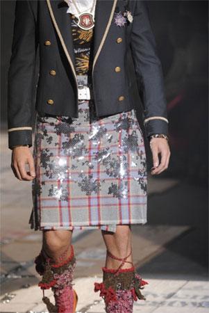 Other Hombres con falda escocesa pajeandose