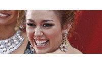 Las joyas de Miley Cyrus, retiradas del mercado por tóxicas