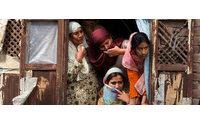 Carrefour habilita una zona para los artículos producidos por las mujeres que trabajan en Creative Handicrafts, en India
