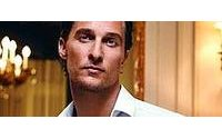 Matthew McConaughey si materializza a Milano per Dolce&Gabbana