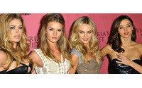 Gli angeli di Victoria's Secret presentano la collezione New Body