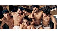 Homens seminus estrelam a campanha da Dolce & Gabbana