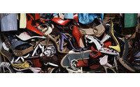 El Ayuntamiento de Jumilla y Proyecto Abraham promueven el reciclado de ropa, calzado y juguetes