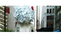 Les mannequins de Ralph Pucci défilent dans les rues de New York