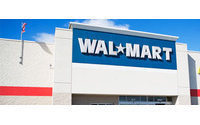 Wal-Mart to roll out electronic tags to track clothing