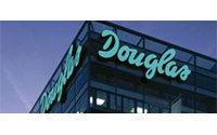 Douglas bestätigt Prognose - Starkes Deutschland-Geschäft hilft