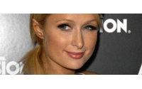 Paris Hilton demandada por los pelos