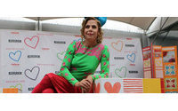 Agatha Ruiz de la Prada lleva el color a Lima con juegos de azulejos