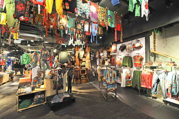 Desigual grows in France - News : distribution