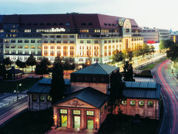 BCBGMaxAzria, Nicolas Berggruen, KarstadtQuelle