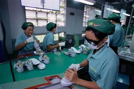 Discriminatorio traición No lo hagas  Los obreros camboyanos de Nike, Adidas, Gap y otras firmas inician una  huelga para reivindicar más salario - Noticias : industrie (#915713)