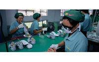 Los obreros camboyanos de Nike, Adidas, Gap y otras firmas inician una huelga para reivindicar más salario