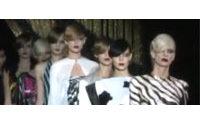 Восточные дивы Louis Vuitton на Парижской неделе моды