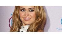 Miley Cyrus lança linha de roupas na Inglaterra