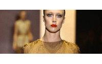 Raquel Zimmermann posa para campanha verão da Vuitton