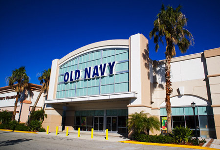 Old Navy store hours during the weekend are generally an hour longer on Saturday and 3 hours shorter on Sunday compared to the weekday hours of operation. Typically on Saturday, Old Navy opens at 9 AM and will close at 10 PM.