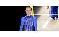 Colores metálicos y romanticismo en segundo día de Semana de la Moda de Río
