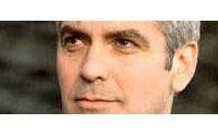 Bellezza: naso alla Clooney ventre piatto e zero peli, boom ritocchi per lui